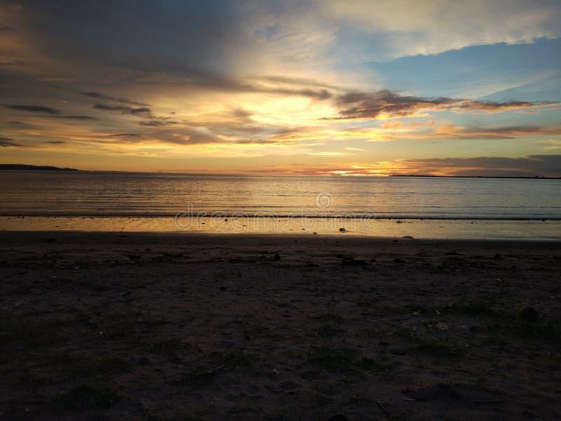 piękna nie poniżej w dół projektanta za słońce sunset tekstem zdjęcie royalty free