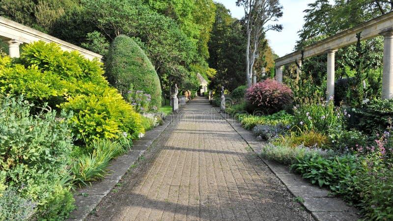 piękna ogrodowa ścieżka obraz royalty free