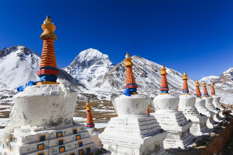 Piękna Północna twarz święta Kailash góra z białym Tibet chortenpagoda obraz royalty free