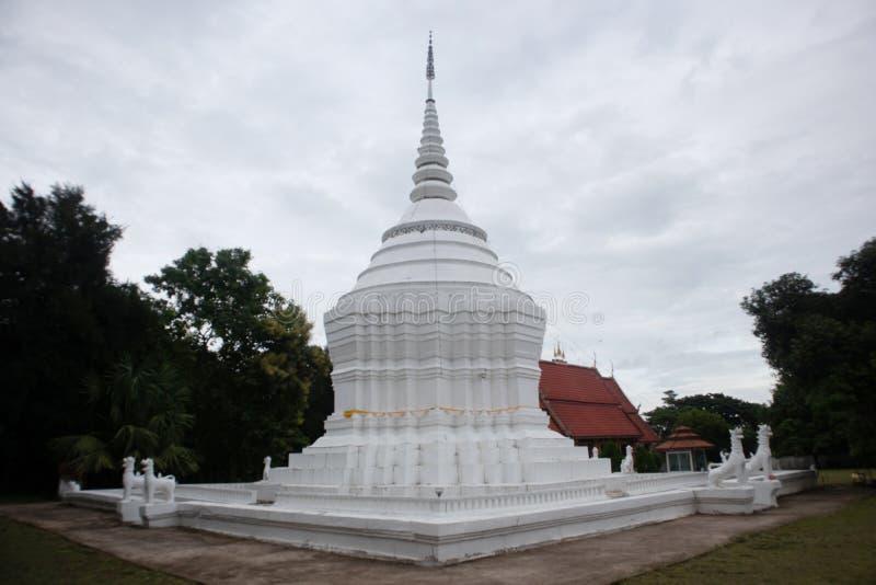 Piękna pagoda i świątynia przy nocą obrazy stock