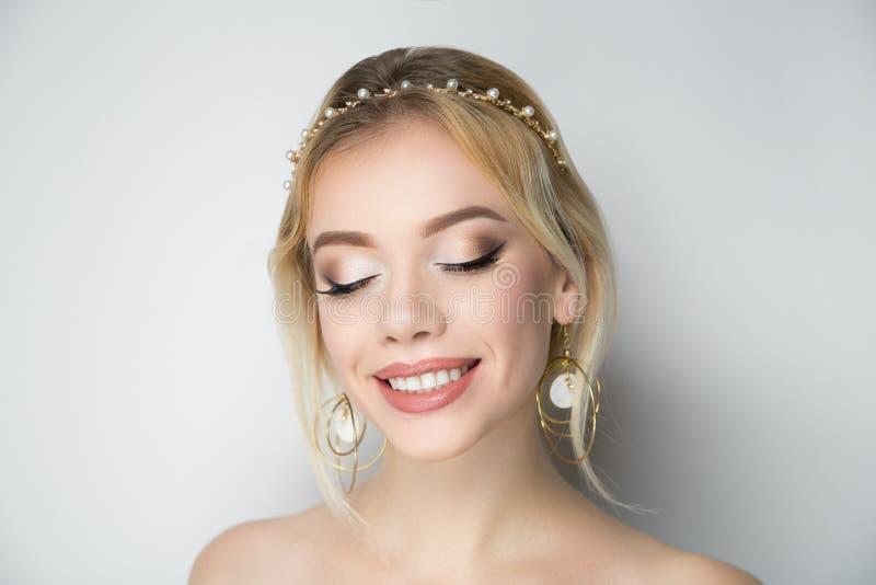 Piękna panna młoda w grka stylu fotografia royalty free