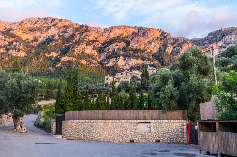 Piękna panorama grodzki Deia na Mallorca, Hiszpania obraz royalty free