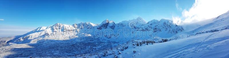 Piękna panorama nakrywający pasmo górskie zdjęcie royalty free