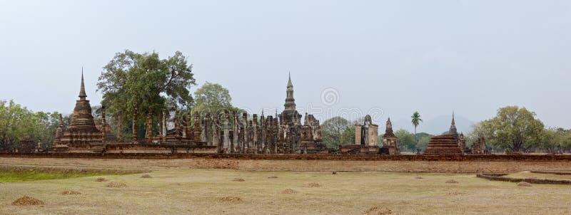 Piękna panorama ruiny w sławnym Sukhothai Dziejowym parku obraz stock