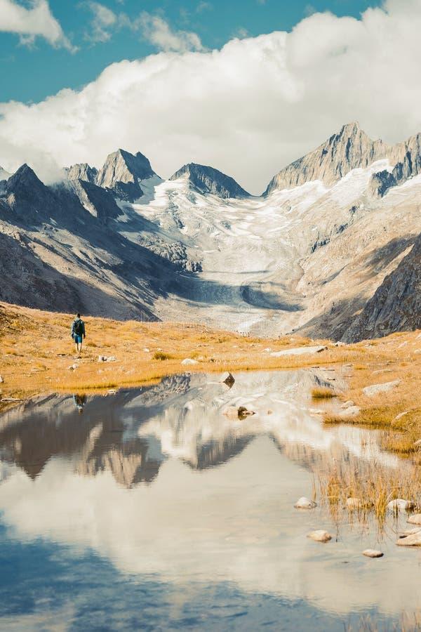 Piękna panoramiczna natura w górach obraz stock