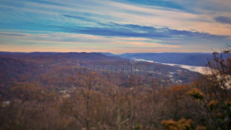 Piękna panoramiczna sceneria góra, góry i jeziora Duzi Niedźwiadkowi, obraz stock