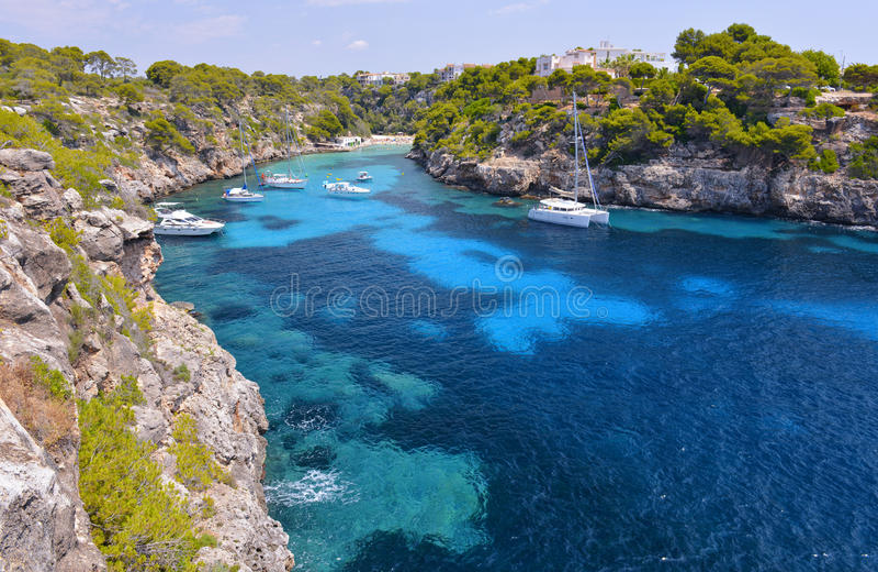 Piękna plaża Cala Pi w Mallorca, Hiszpania obrazy royalty free