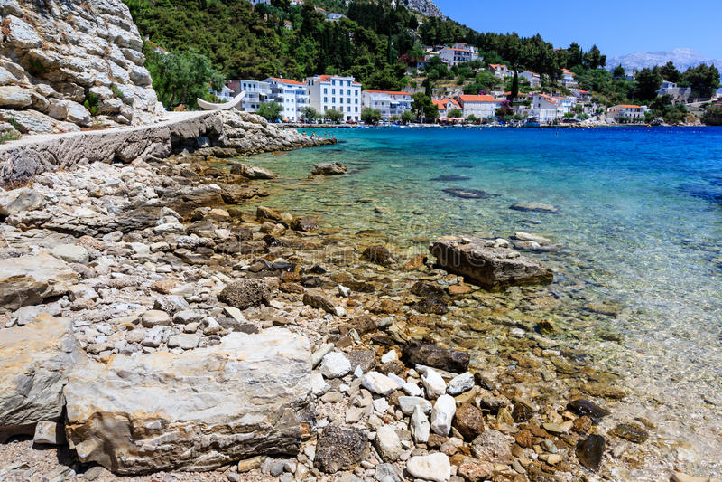 Piękna Plaża i Przejrzysty Adriatycki Morze fotografia stock