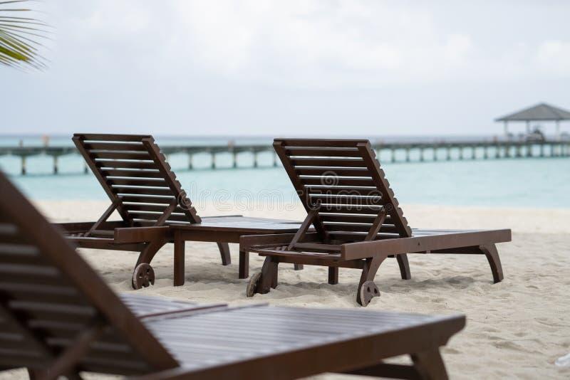 Piękna plaża z bryczka holem z oceanu krajobrazem obrazy royalty free