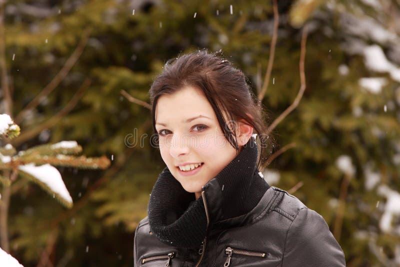 piękna plenerowa śnieżna kobieta obraz stock