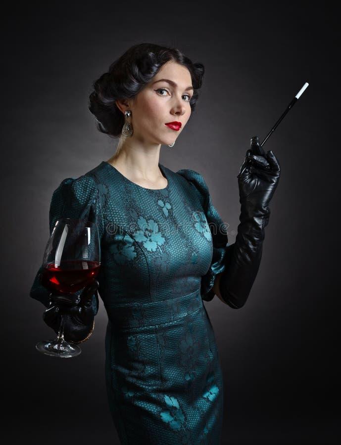 piękna retro stylowa kobieta zdjęcia stock