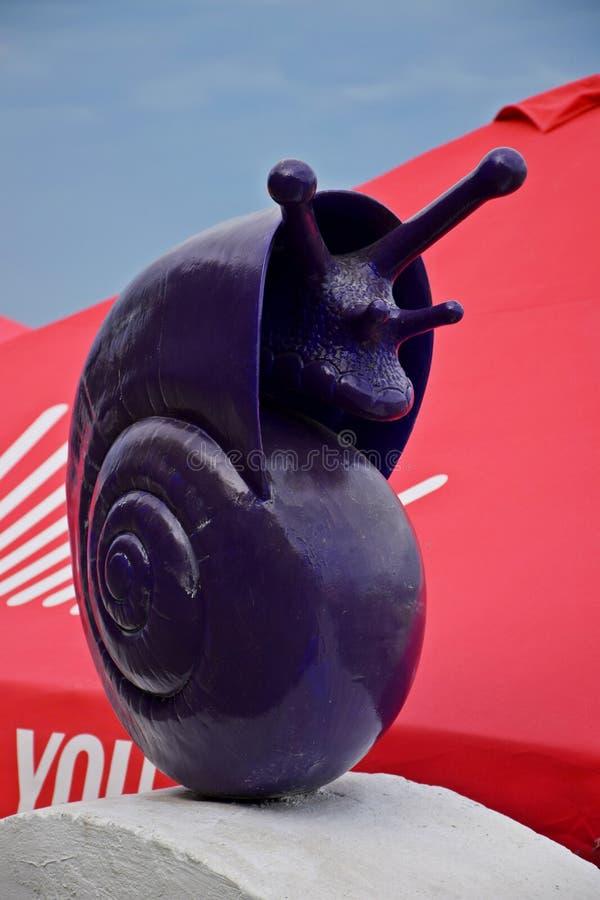 Piękna rzeźba purpurowy ślimaczek obrazy royalty free