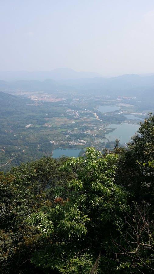 Piękna sceneria równina z wierzchu góry zdjęcie royalty free