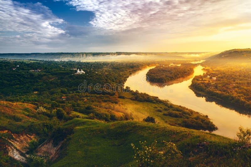 Piękna sceneria rzeczny Dniester zdjęcie stock