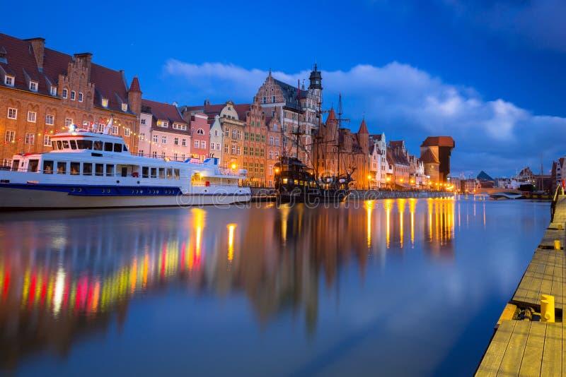 Piękna sceneria starego miasta w Gdańsku nad rzeką Motlawa o świcie, Polska obrazy royalty free