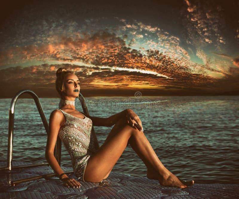 Piękna seksowna dziewczyna, ładny potomstwo model zdjęcia royalty free