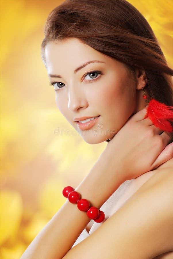 Piękna seksowna kobieta z ładnymi niebieskimi oczami zdjęcie stock