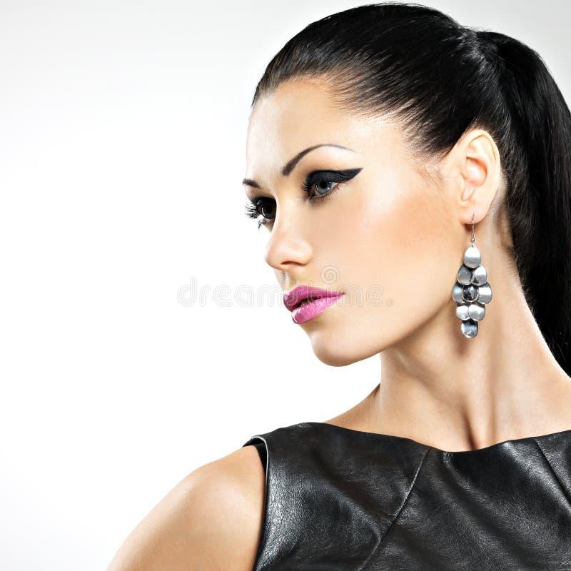 Piękna seksowna kobieta z splendor mody makeup oczy i gl fotografia royalty free