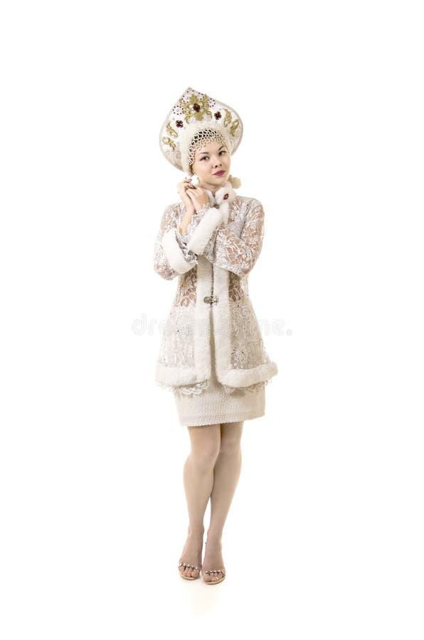 Piękna, szczęśliwa, emocjonalna młoda kobieta, ubierał jak Święty Mikołaj ono uśmiecha się nowy roku karnawał fotografia royalty free