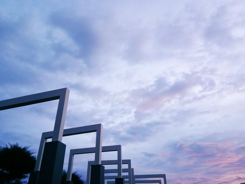 Piękna sztuka architektura w Tadulako uniwersyteta parku obrazy royalty free