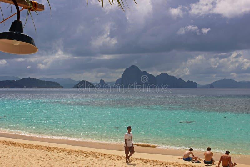 Piękna tropikalna plaża - El Nido, Filipiny zdjęcie stock
