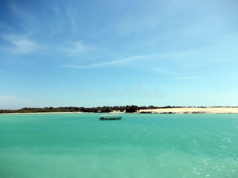 Piękna turkusowa jeziorna północ Broome zdjęcie royalty free
