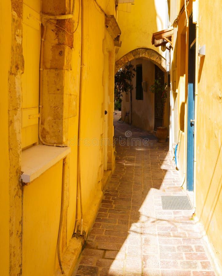 Piękna ulica w Chania, Crete wyspa, Grecja LATO krajobraz zdjęcia stock