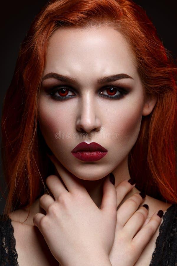 Piękna wampir młoda kobieta obraz royalty free