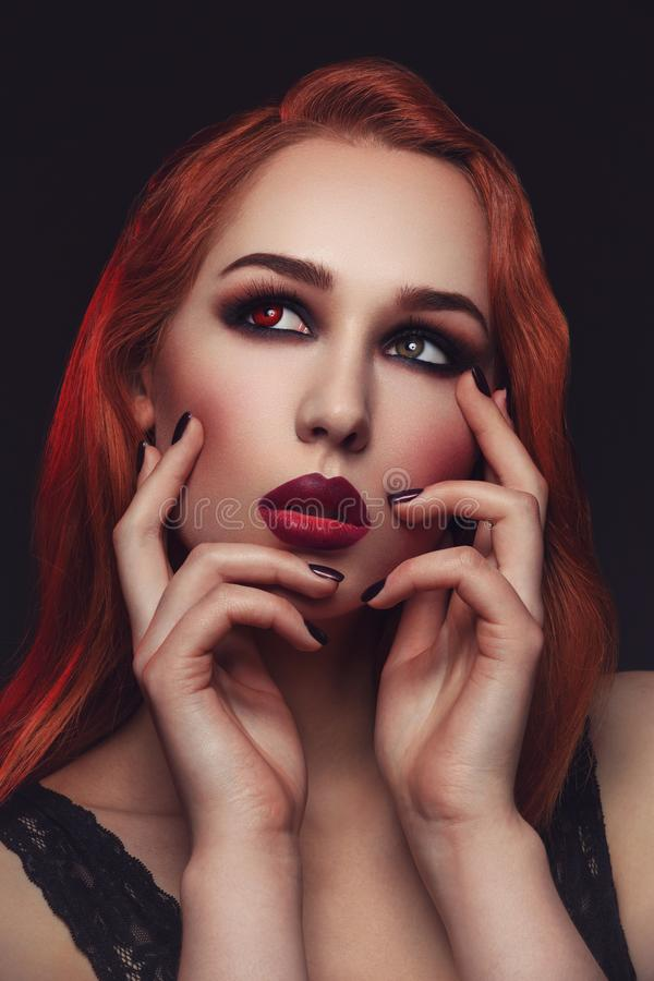 Piękna wampir młoda kobieta obrazy royalty free