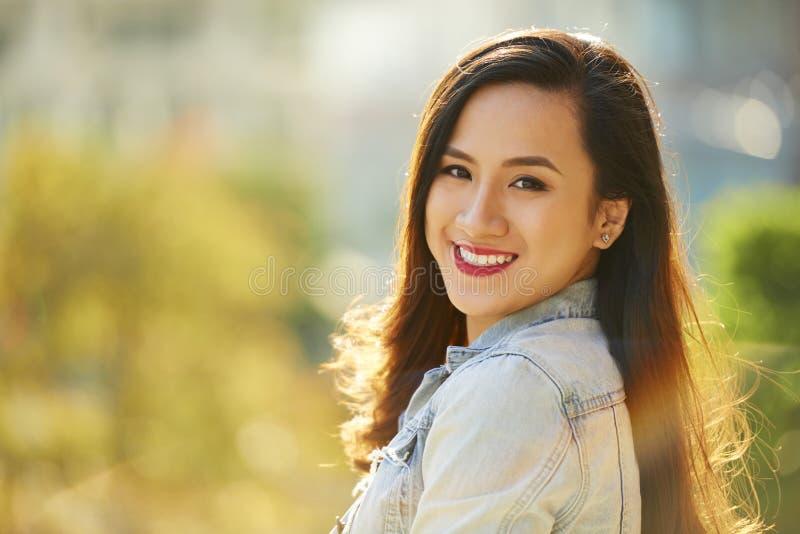 Piękna Wietnamska kobieta zdjęcie stock
