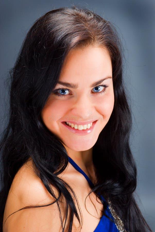 piękna zakończenia twarzy portret w górę kobiety potomstw zdjęcie stock