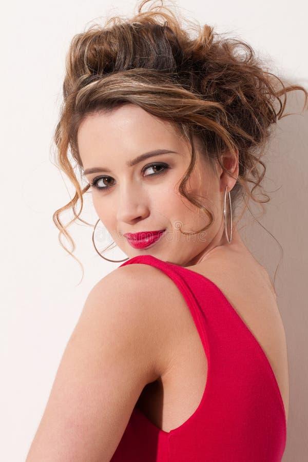 piękna zamkniętej dziewczyny maekeup czerwień w górę mody zdjęcie royalty free