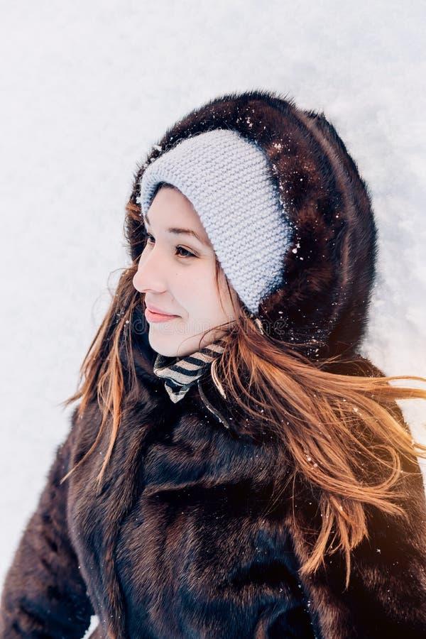 Piękna zimowa kobieta obraz stock