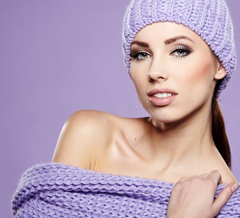 Piękna zimy kobieta zdjęcie royalty free