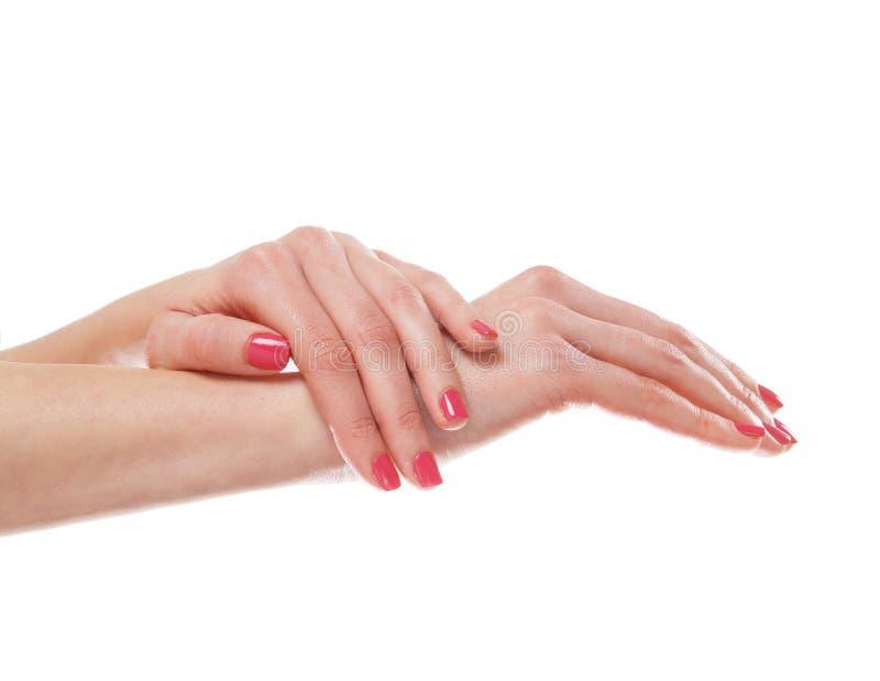 Download Piękne żeńskie Ręki Z Menchiami Robią Manikiur Na Bielu Zdjęcie Stock - Obraz złożonej z skóra, kopiasty: 28964702