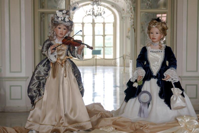 Piękne barokowe lale w kasztelu zdjęcia stock