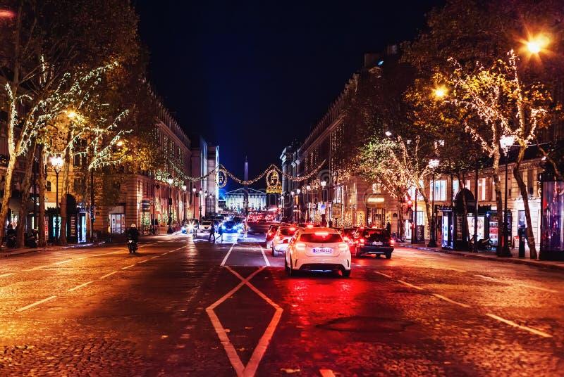 Piękne bożonarodzeniowe światła iluminacje na sławnej Rucianej Royale Królewskiej ulicie w wieczór fotografia stock