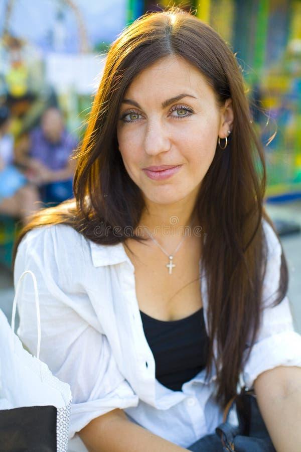 piękne brunetka portret kobiety young fotografia royalty free