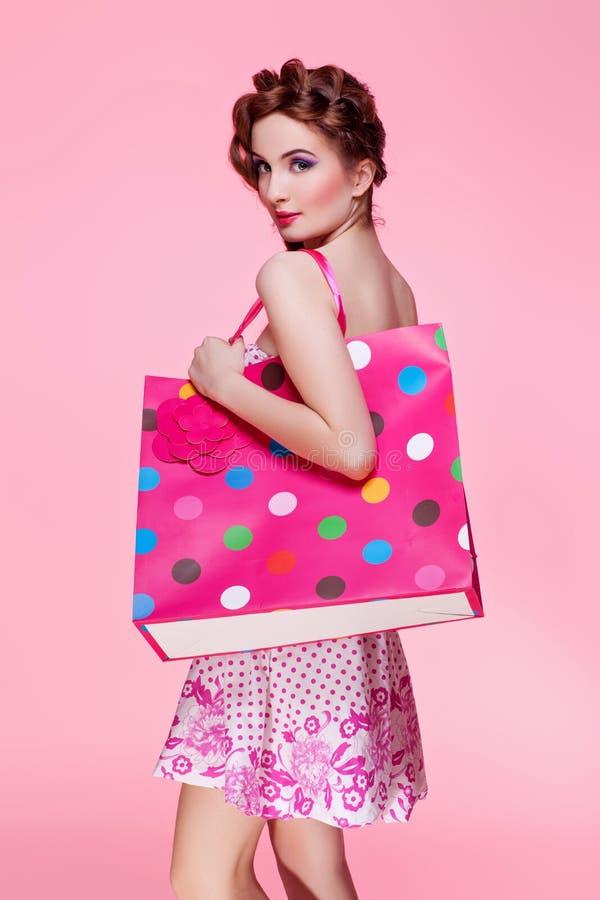 piękne dziewczyny torby na zakupy obrazy stock