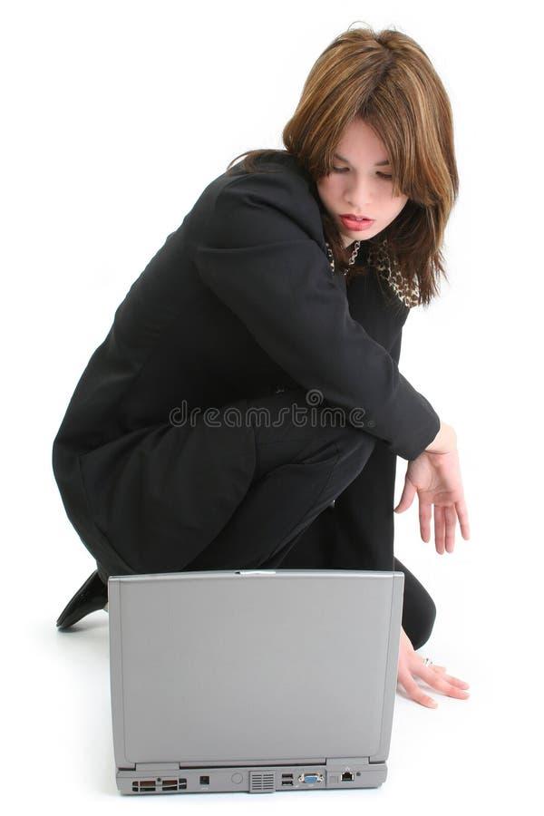 piękne kobiety komputerowych laptopa latynoscy young zdjęcia stock