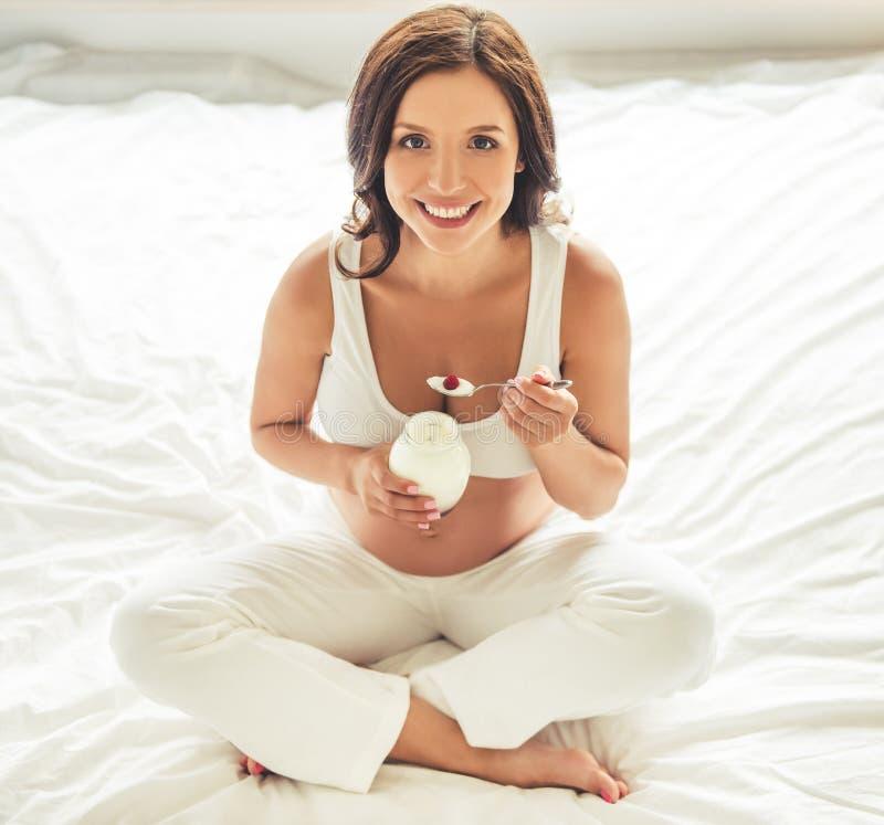 piękne kobiety w ciąży fotografia royalty free