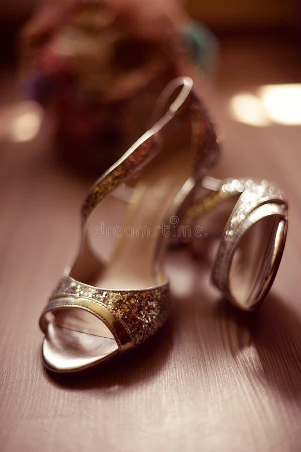 Download Piękne sandały obraz stock. Obraz złożonej z cięcie, kolorowy - 57659315