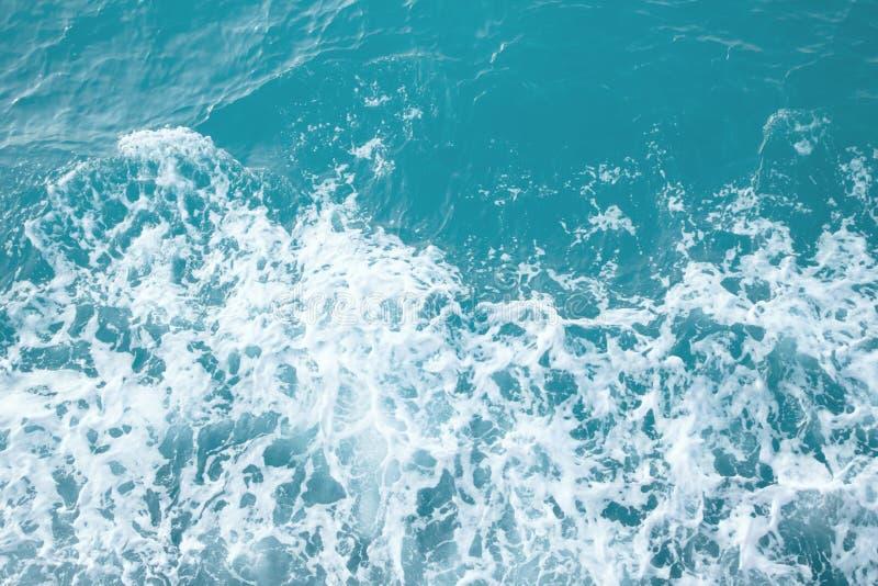 Piękne turkusowe ocean fale od natury obrazy stock