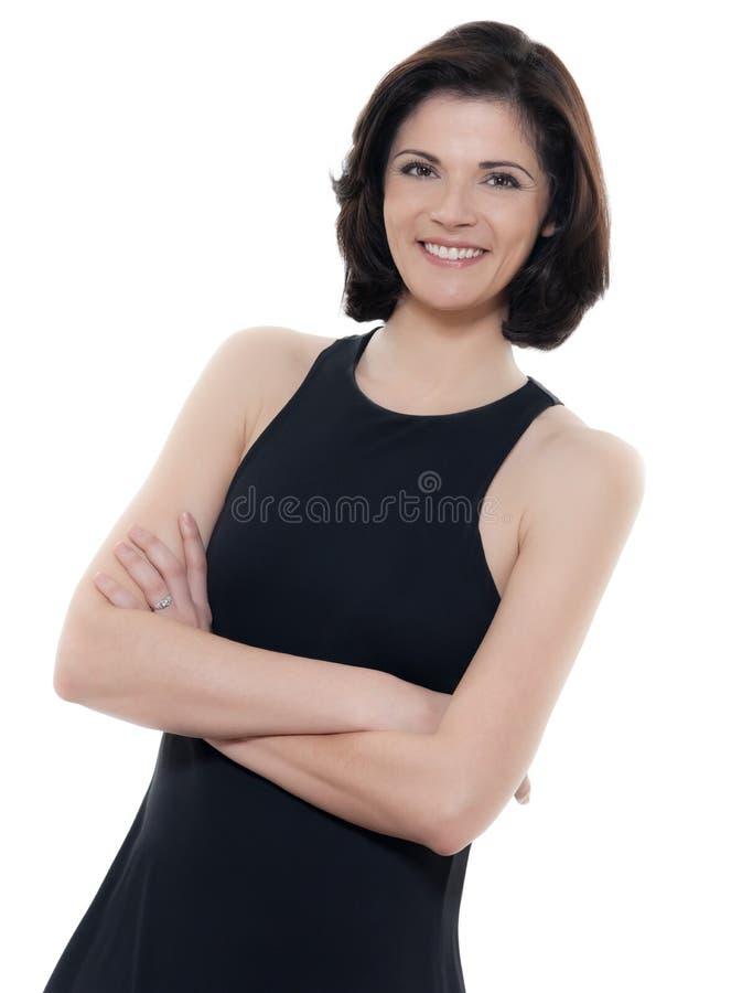 Piękne uśmiechnięte caucasian kobieta portreta ręki krzyżować zdjęcia royalty free