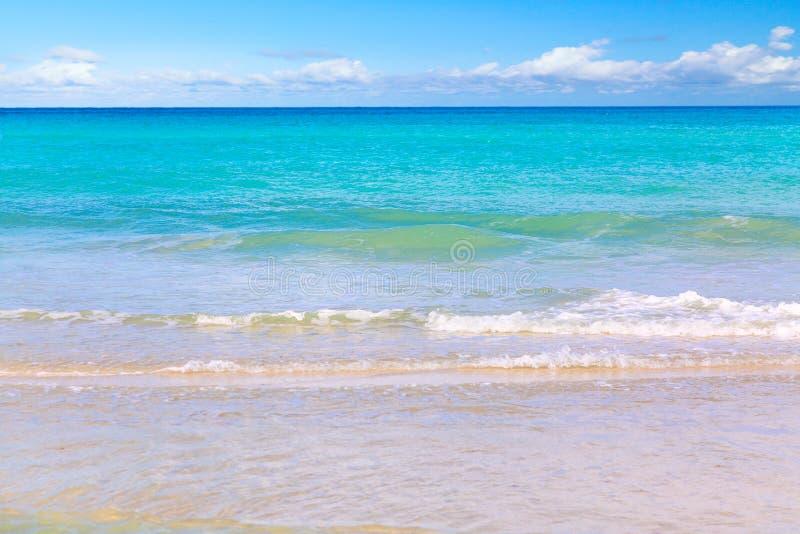 piękne 2007 wysp krajobrazów Mindanao Philippines wziąć z tropikalnego Niebo i morze Zadziwiającego oceanu i chmurnego nieba tape obraz royalty free