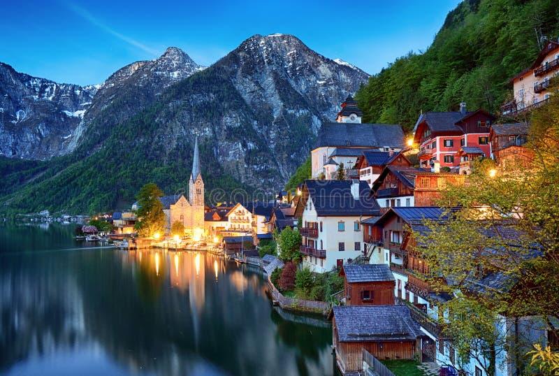 Pięknego lata Hallstatt Alpejski miasteczko Hallstatter i jezioro Widziimy zdjęcia stock