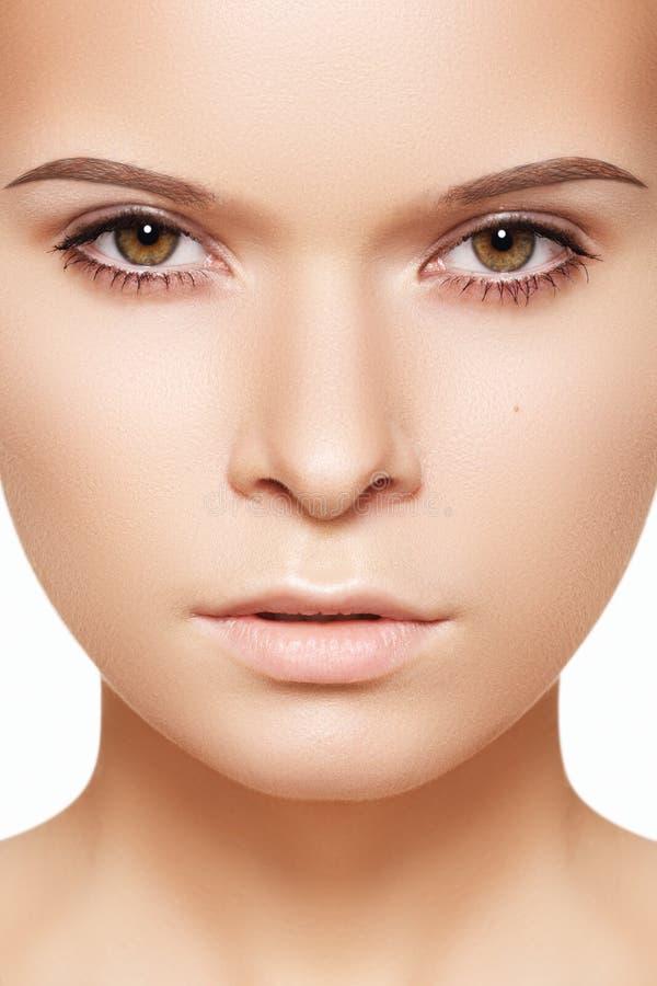 pięknego piękna czysty twarzy dziewczyny makeup skóry zdrój obrazy stock