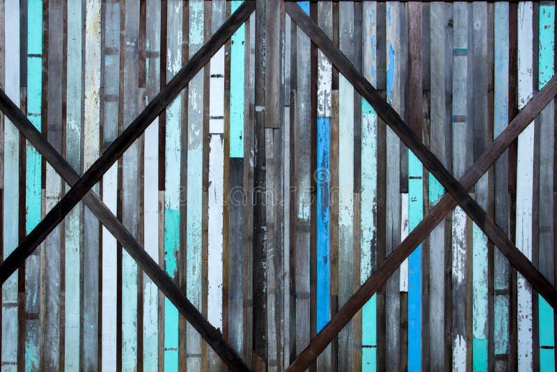 Pięknego rocznika kolorowa drewniana ściana Ściana robić drewnianym deski złączem wpólnie tworzył drewnianego tło i teksturę obrazy royalty free