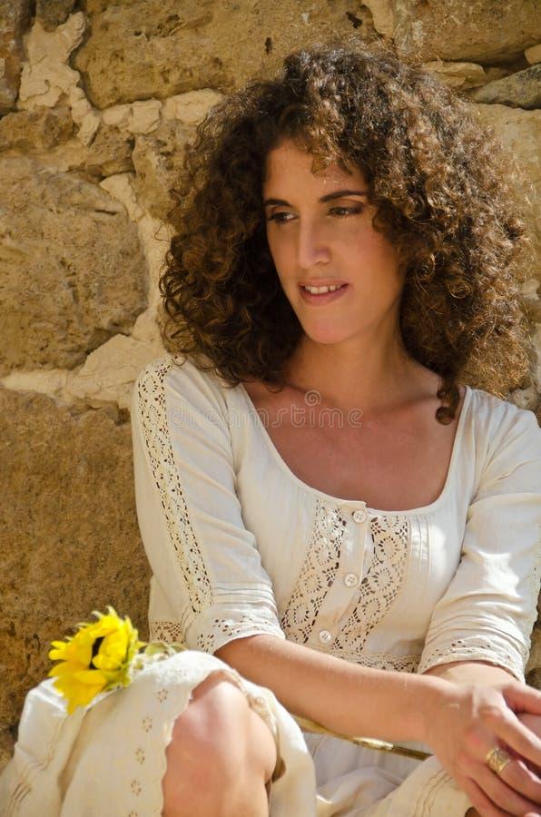 pięknej brunetki dziewczyny target1733_0_ potomstwa zdjęcie royalty free