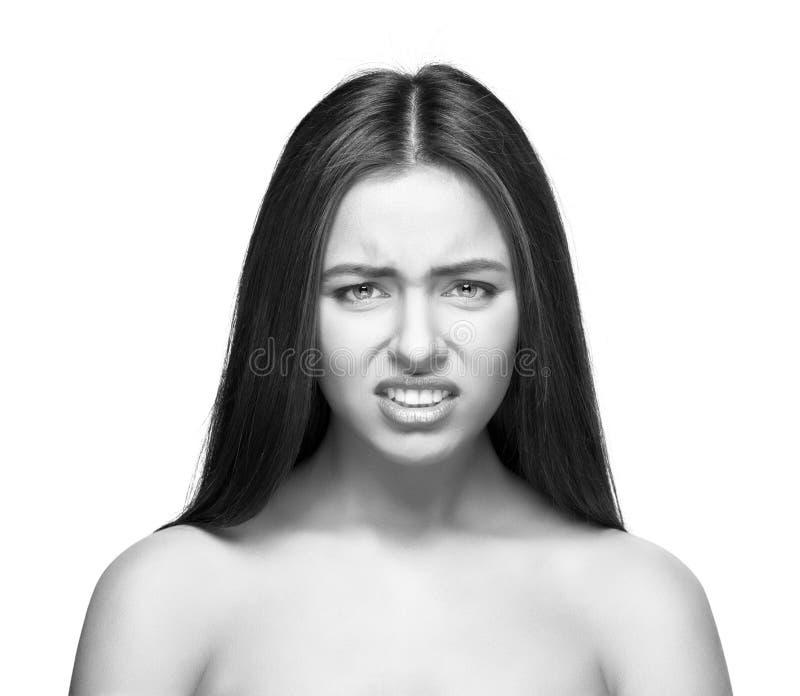 Pięknej caucasian kobiety gniewny portret odizolowywający zdjęcie stock